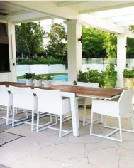 White Baia Extension Table with Zudu Dining Chair