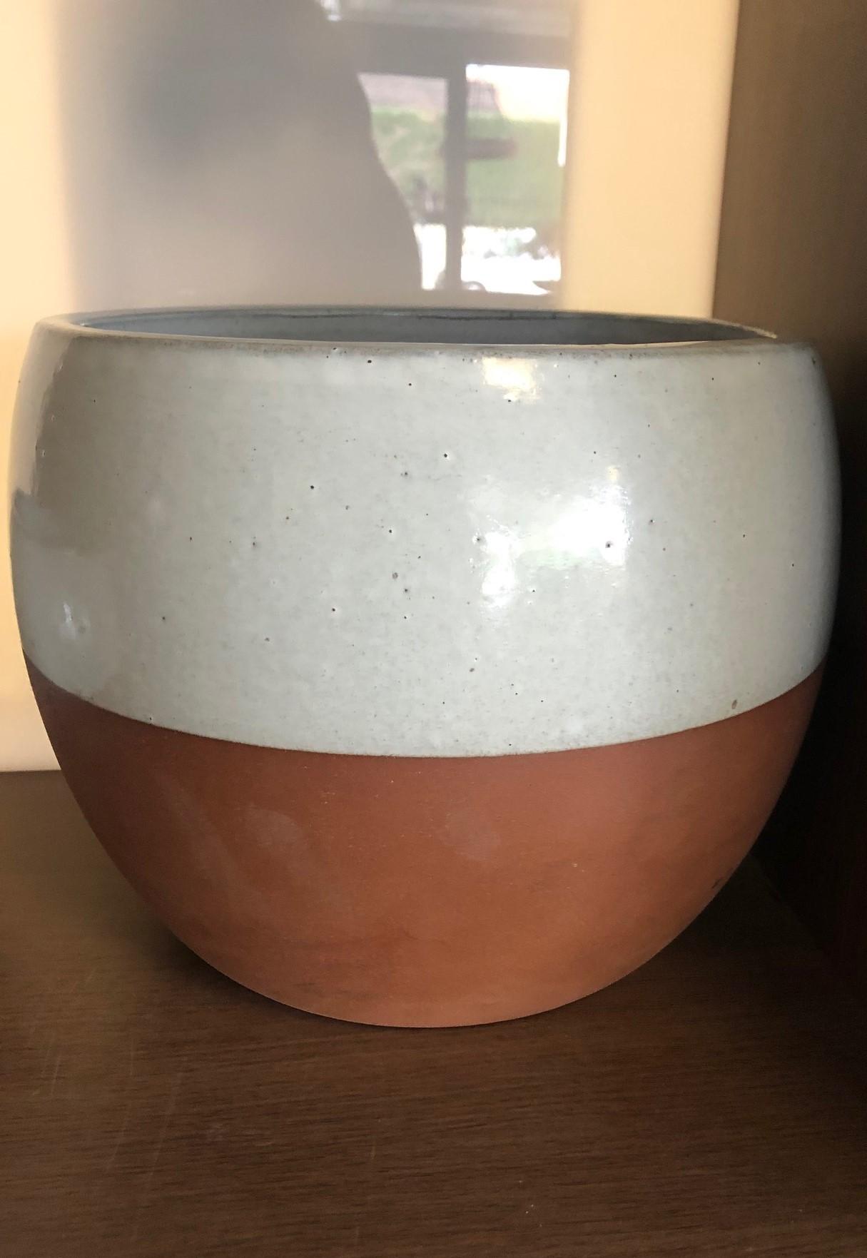 Terracotta/White Ball Pot