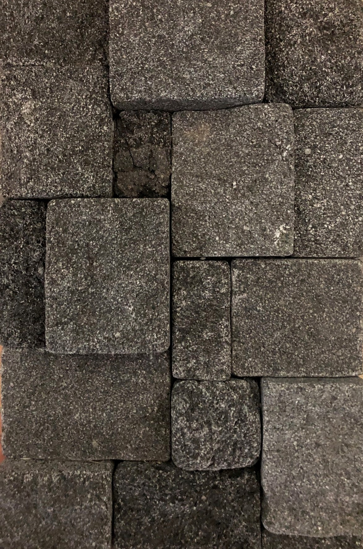 3D Black Tumbled 250x400 Interlocking