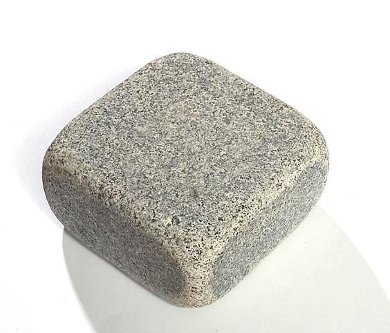 Sawn Bluestone Tumbled Cobble